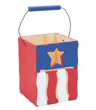 NAT. WOOD FLAG BOX W/STAR