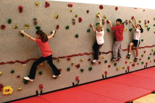 Traverse Climbing Wall Package, 40'