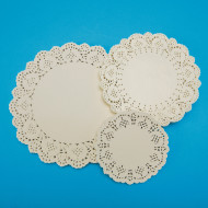 Round Paper Lace Doilies (pack of 100)