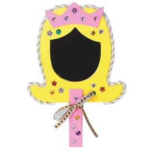 A cute craft for your little princess!
