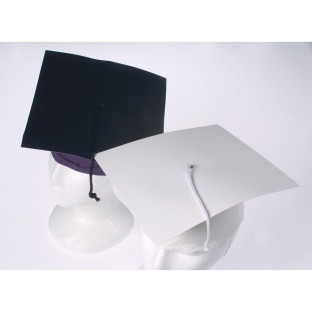 GRADUATION CAP WHITE PK12
