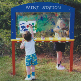 Outdoor Paintstation