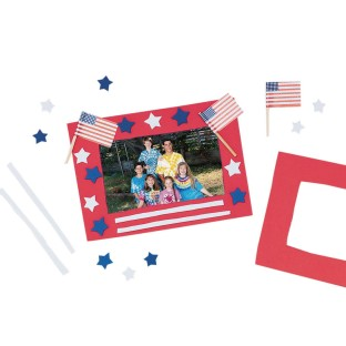 Stars 'N Stripes Frame© Craft Kit (Pack of 12) - Image 1 of 1