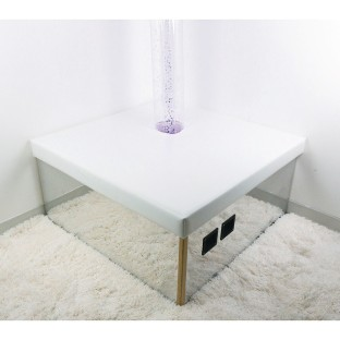 Corner Bubble Tube Mirrored Podium - Image 1 of 2